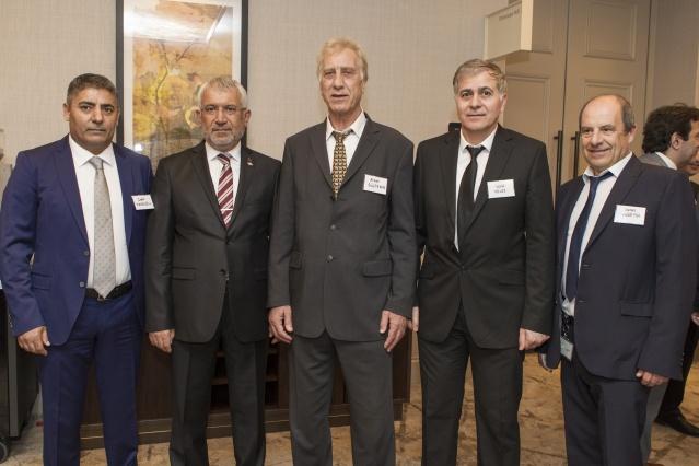 Türk Eximbank'ın Avrupalı Türk Markalar Birliği (ATMB) ile Ekonomi Bakanlığı'nın koordinasyonunda, 'Avrupalı İş Dünyası Temsilcileri ve Markalarla Buluşma Toplantısı', Londra'da gerçekleşti.  Toplantıya Ekonomi Bakan  Yardıcısı Fatih Metin ile birlikte bakanlık bürokratları, Türk Eximbank Genel Müdürü Adnan Yıldırım ve bankanın üst düzey yetkilileri katıldı.