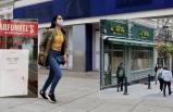 Koronavirüs İngiltere'de Kepenk Kapattırıyor