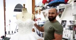 İngiliz Seçkinleri Türk Tasarımcı Mustafa Aslantürk GiydiriyoR