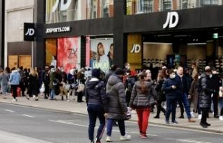 İngiliz perakende sektörü ayağa kalkmaya çalışıyor