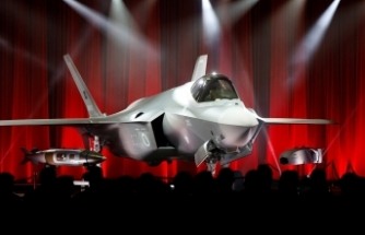 Türkiye, İlk F-35 Uçağını Teslim Aldı