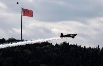 İtalyan pilotu Dario Costa, rekorunu Boğazı şovuyla kutladı