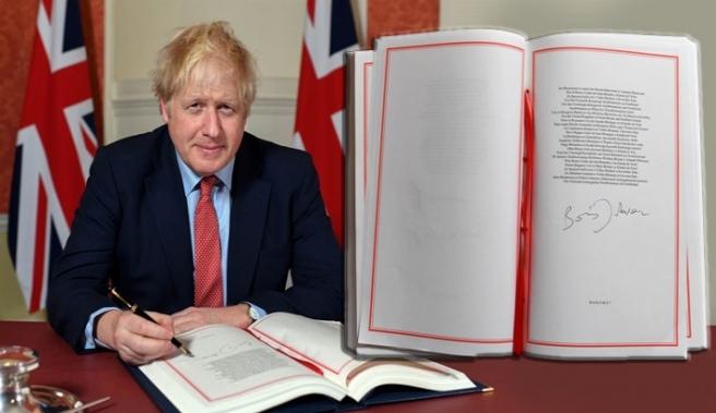 İngiltere Başbakanı Boris Johnson Brexit Anlaşmasını İmzaladı