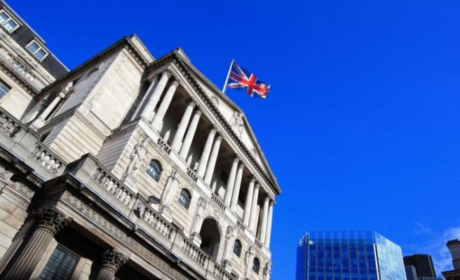 İngiliz ekonomisi çifte krize doğru sürükleniyor