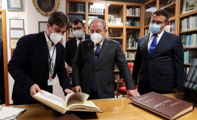Bakan Varank, Trieste'deki uluslararası bilim merkezini ziyaret etti