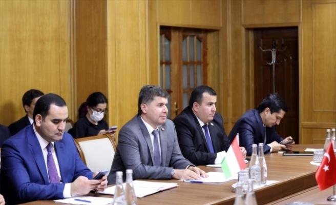 Bakan Varank, Tacikistan Ekonomik Kalkınma ve Ticaret Bakanı Zavqizoda ile görüştü: