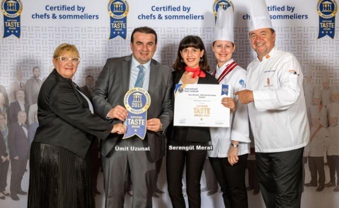 'Hafız Mustafa'nın 'Sütlü Osmanlı Saray Kadayıfı'na Uluslararası Ödül!